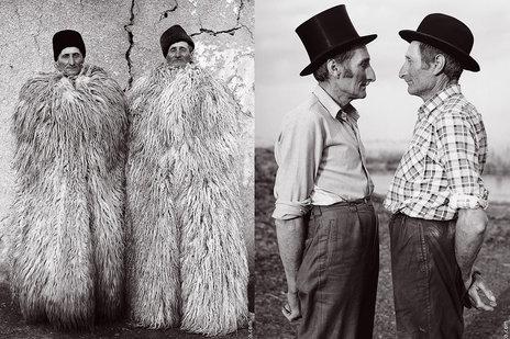 Bliźniacy Lukacs mieli w momencie wykonywania zdjęć po 63 lata. Janos i Istvan mieszkali w węgierskim regionie Puszta i mieli mnóstwo dublujących się rzeczy jak to bywa u bliźniaków, szczególnie w tamtych czasach.